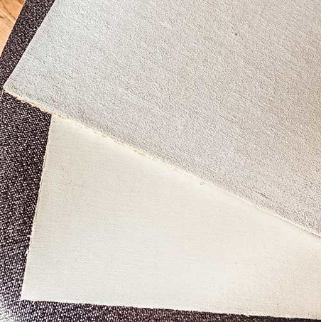 Two Extra Fine Linen Canvases From Different Manufacturers Claessens On Top And Belle Arti Below