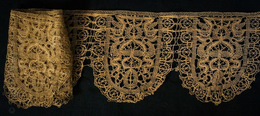 Early Italian bobbin lace
