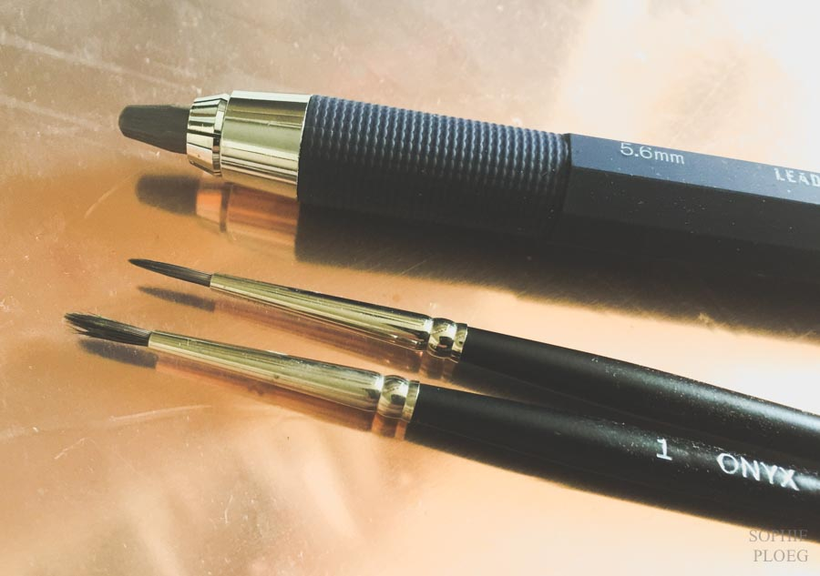 Clutch pencil lead holder and two Onyx brushes