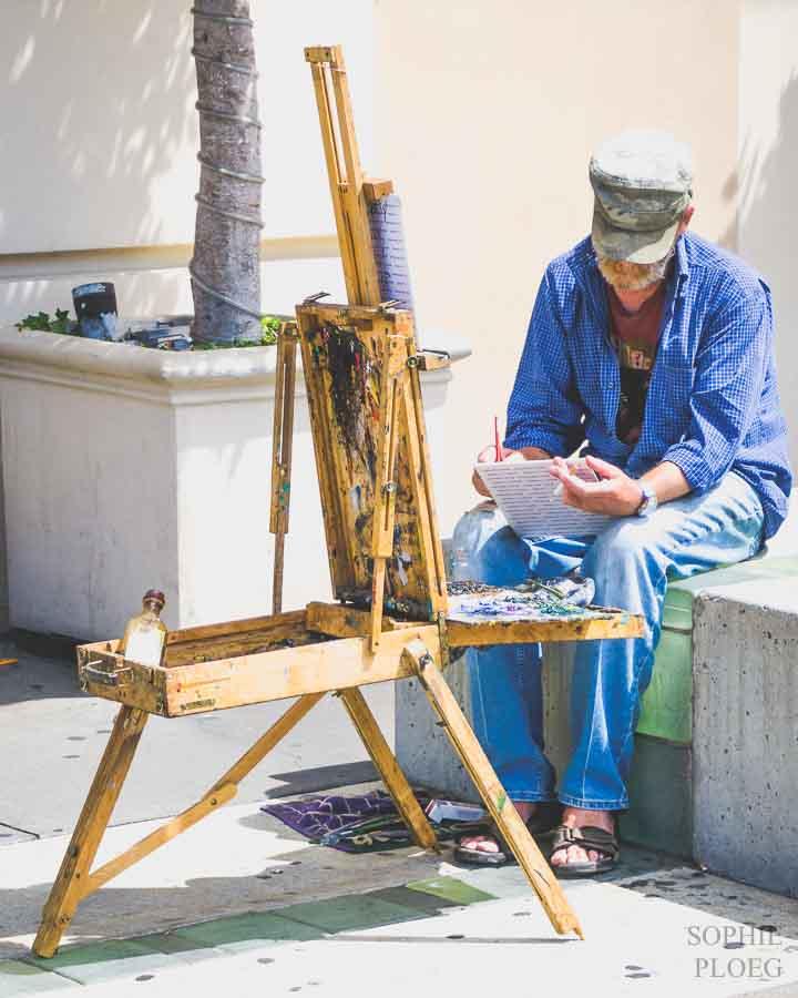 Sophie Ploeg painting time.